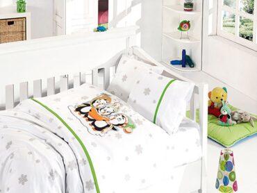 """Детский постельный набор в кроватку """"Penguins Green"""" Bamboo :: First Choice"""